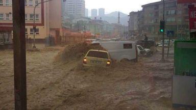 Потоп, невиждан от 500 години, заля Анкара