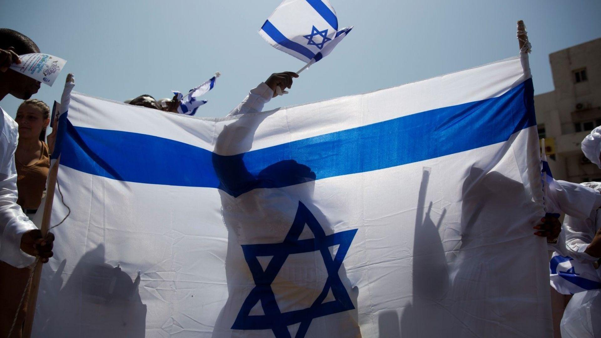 Израел отваря противаракетни убежища, очаква атака срещу Голанските възвишения
