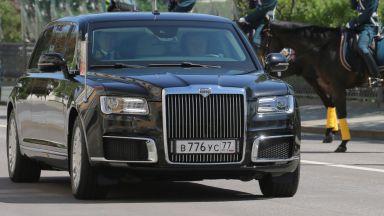 Путин встъпи в нов мандат с премиера на руската лимузина