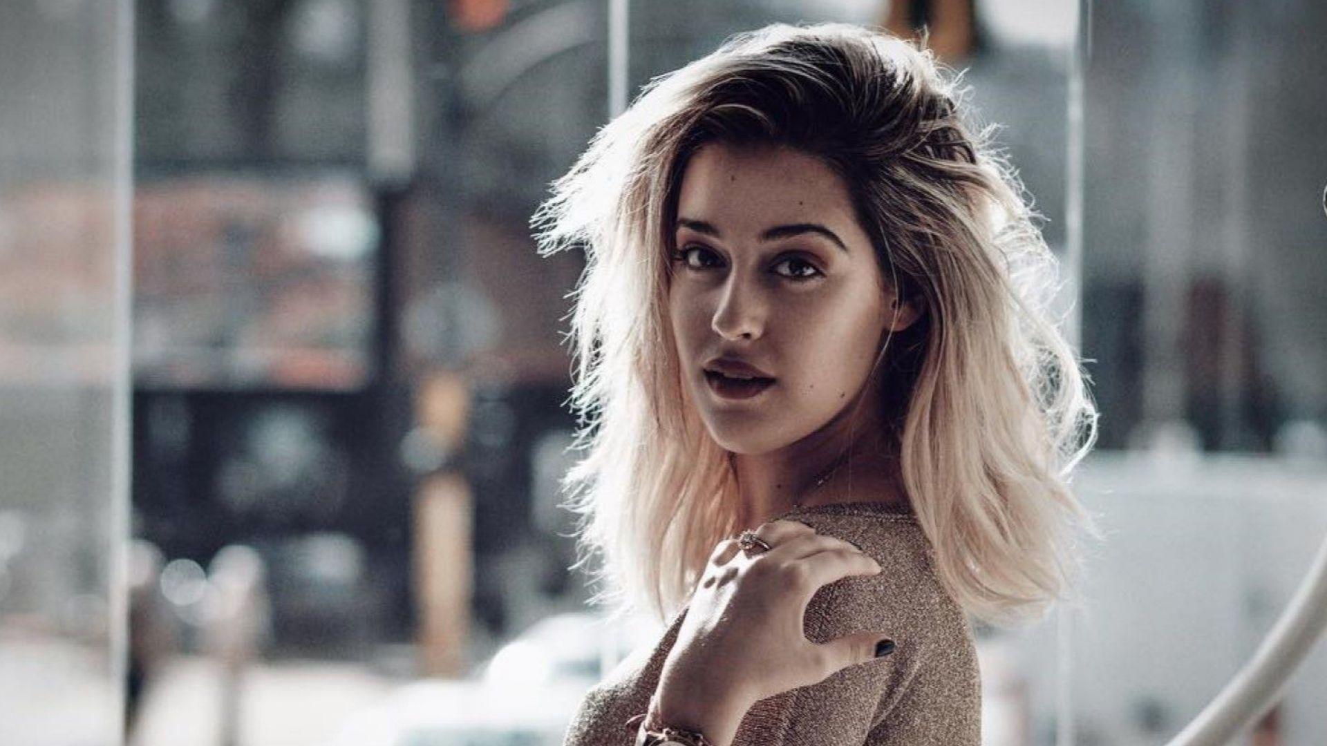 Дъщерята на Гала показа секси кадър от Италия