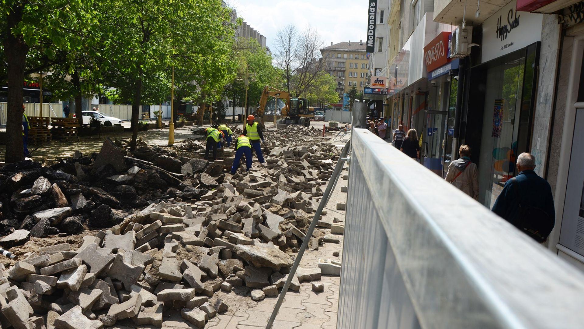 """Фандъкова: 240 000 лв. глоба за ден забавяне на ремонта на """"Графа"""""""