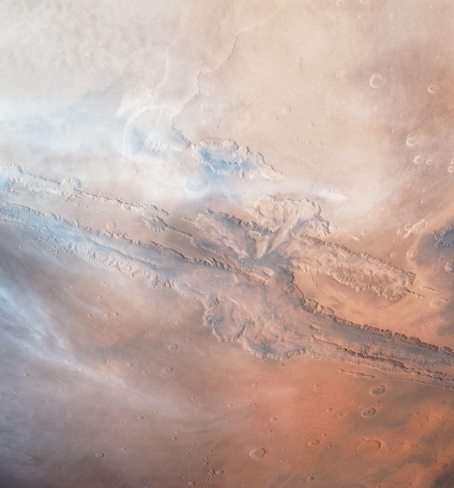 Марсианските облаци са съставени от воден лед и прах