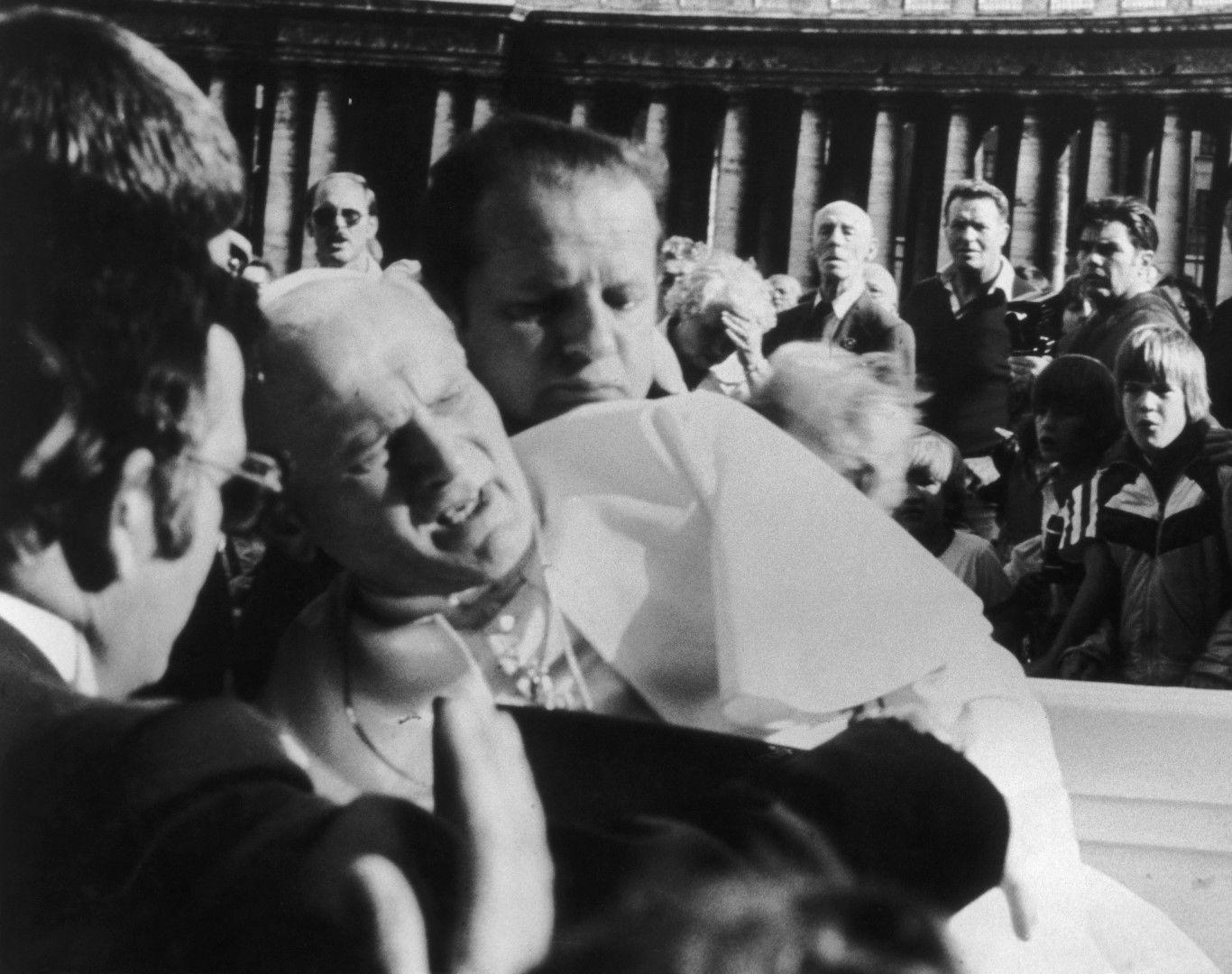 Папата - вденага след покушението