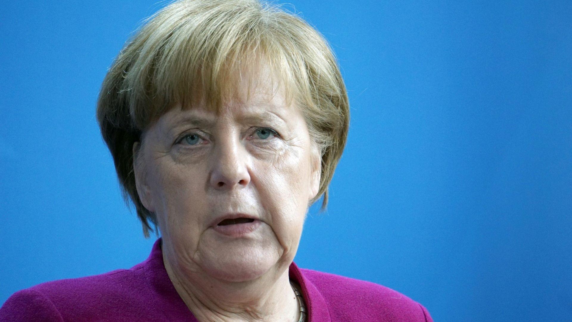 Меркел съжалява за печалното решение на Тръмп, Лондон иска разяснения