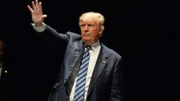 Примката около Тръмп се затяга