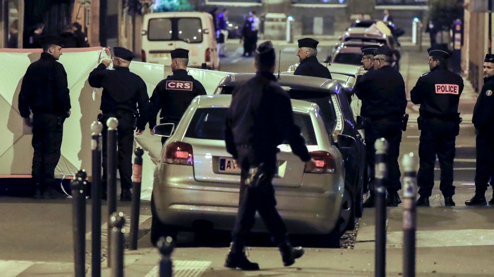 Терорист с нож уби човек и рани още четирима в Париж