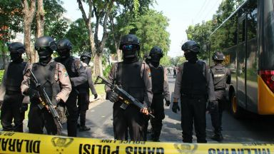 Кървави атентати и в Индонезия