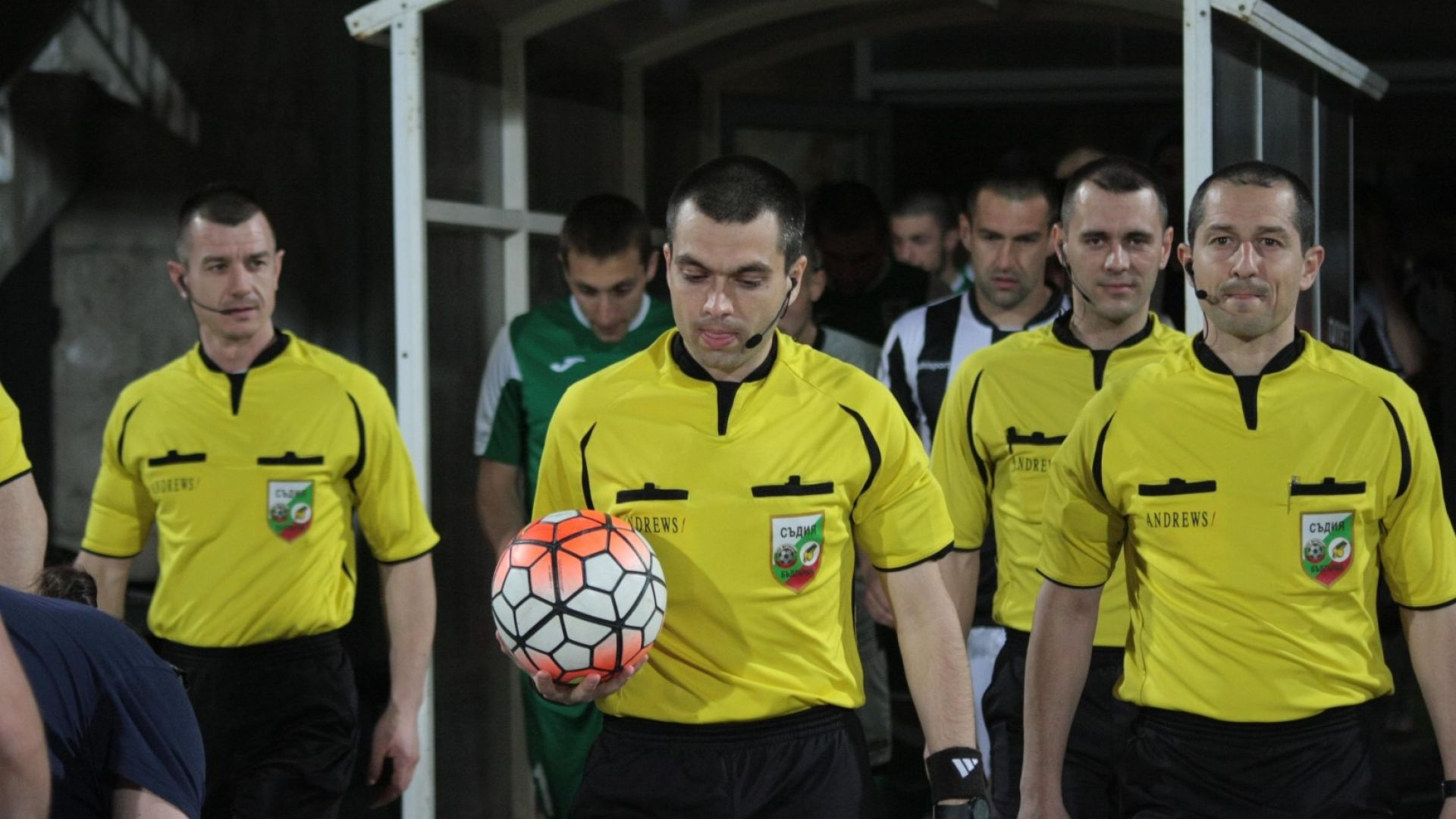 Повериха дербито на Волен Чинков