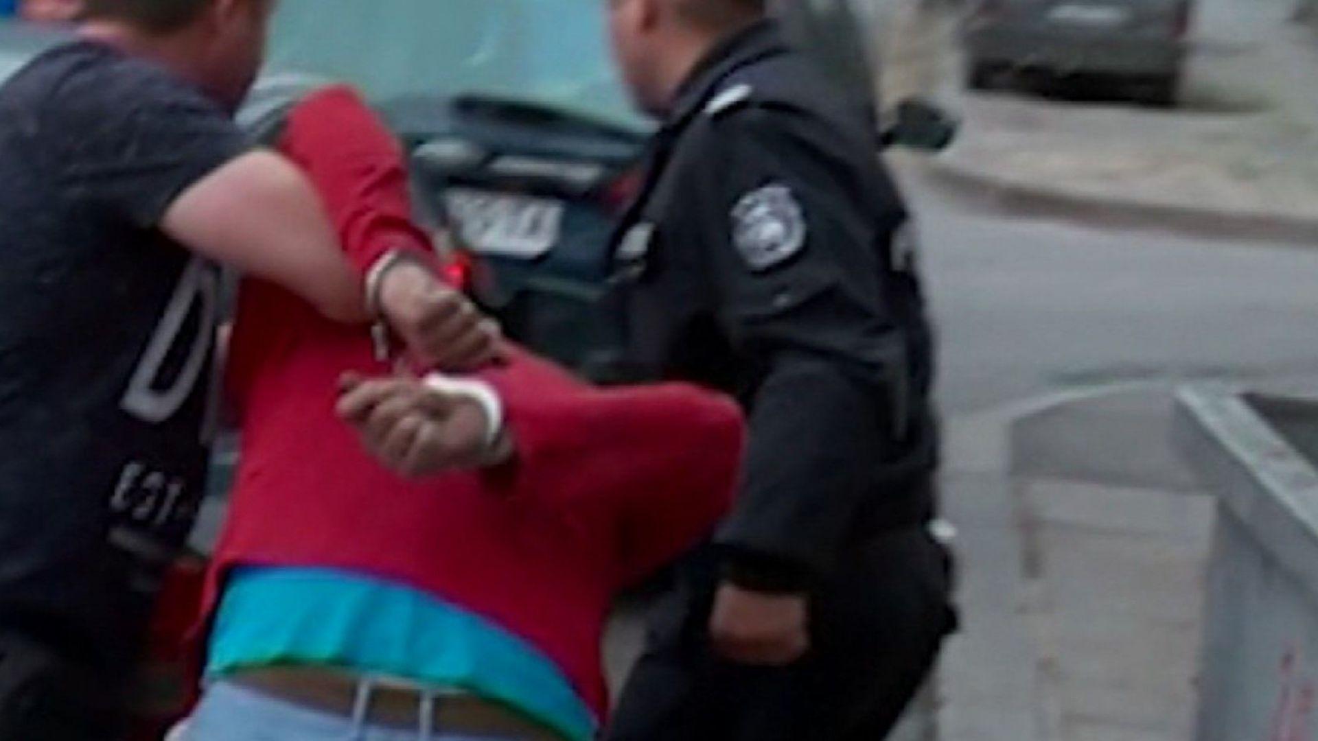 Намушканото в тролея момче остава в болница, нападателят е познат на полицията