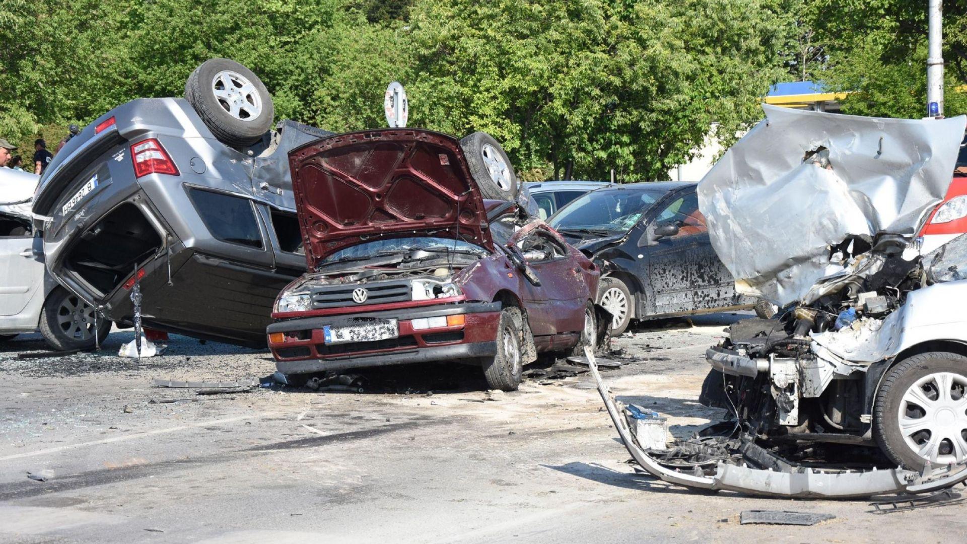 Стряскащи цифри: 190 жертви и 3126 ранени по пътищата за 5 месеца