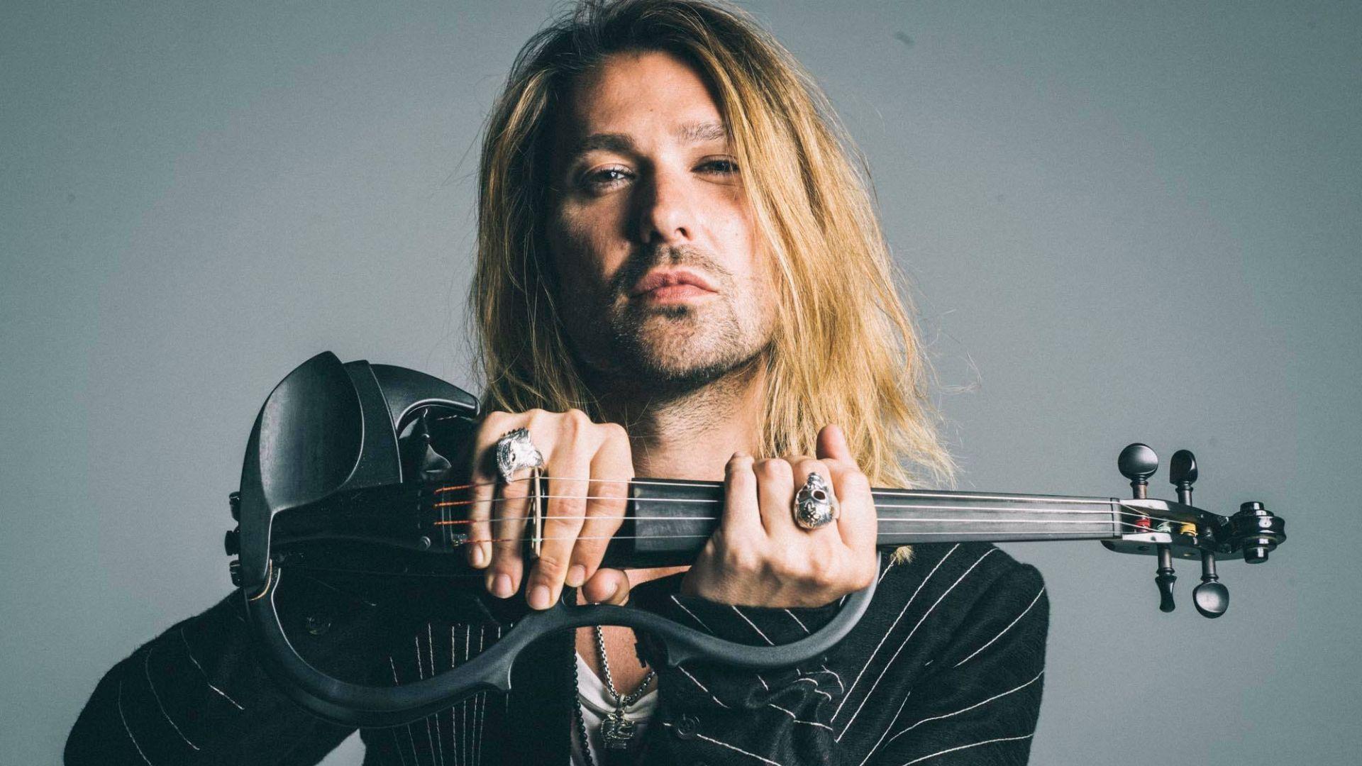 Дейвид Гарет още се лекува, отлага концерта в София