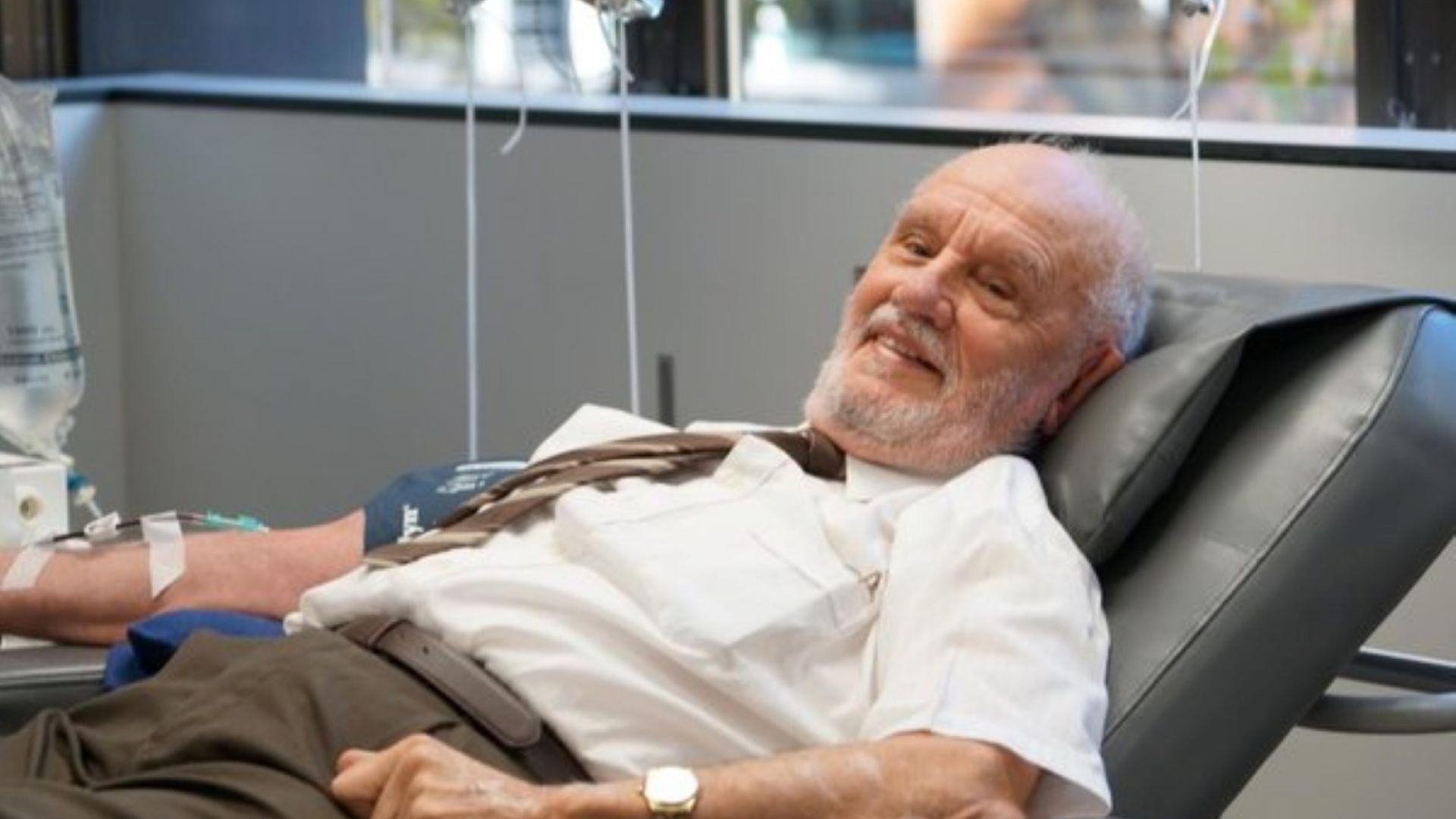Човекът със златната ръка дари кръв за последен път