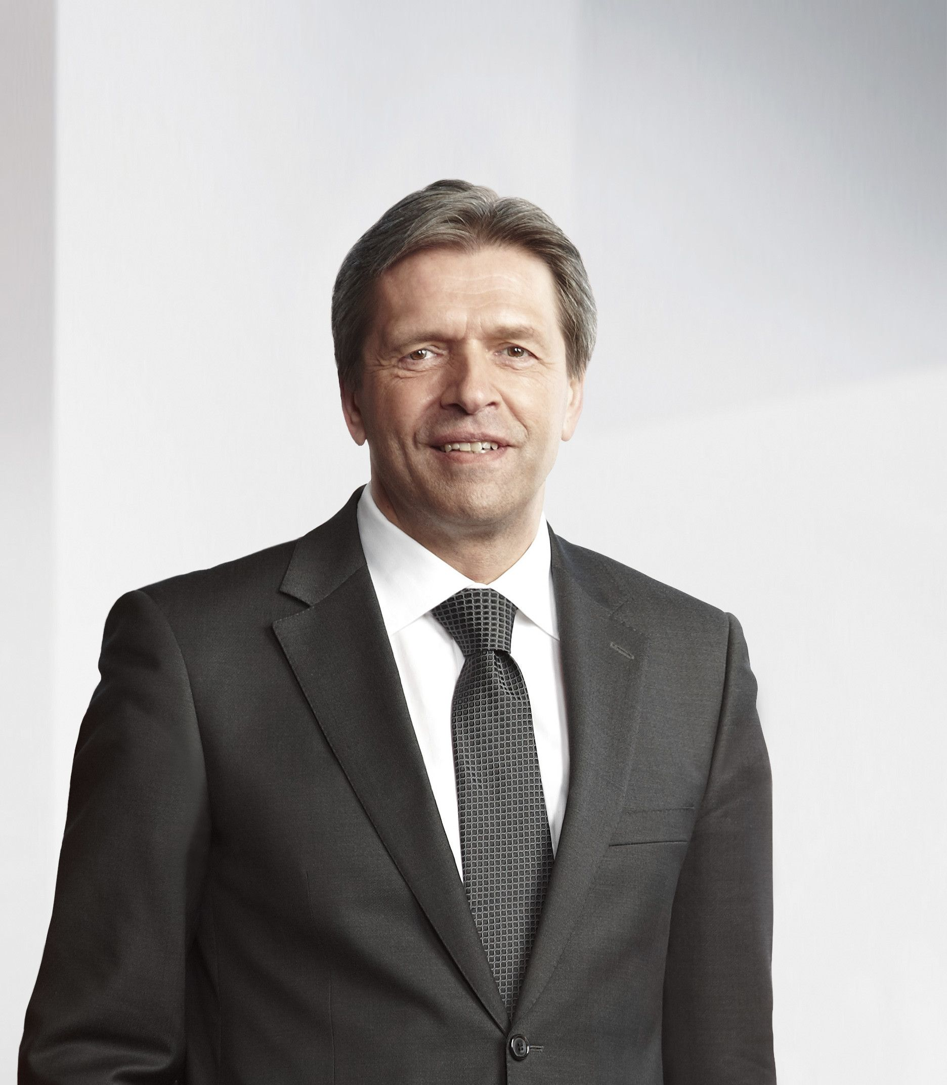 След 14 успешни години на управление в качеството си на Главен изпълнителен директор на Гебрюдер Вайс, в края на 2018 г. Волфганг Ниснер ще напусне оперативната дейност на компанията и ще се оттегли в заслужена почивка (Снимка: Гебрюдер Вайс)