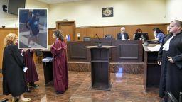 Oтложиха делото за атентата в Сарафово