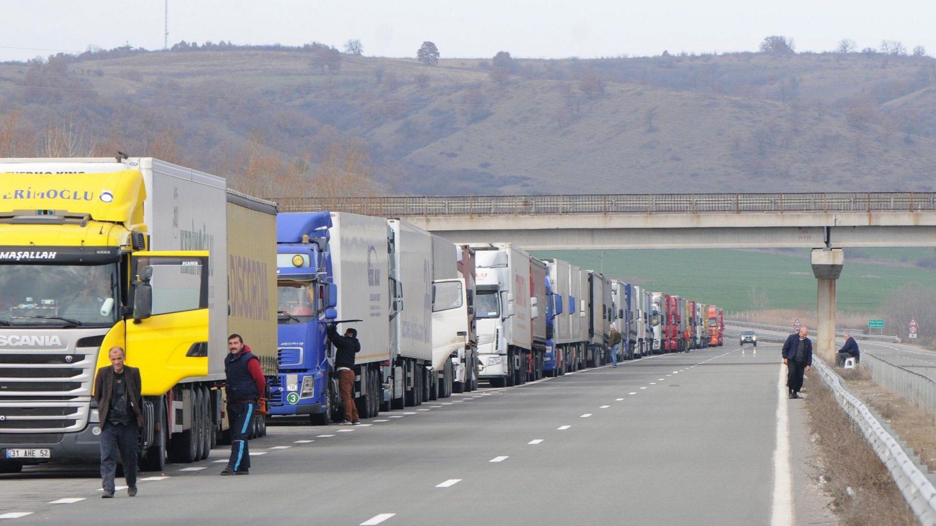 Петролно-газовата асоциация застава зад исканията на превозвачите