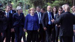 Макрон: Предпазливост и твърдост към разширяването на ЕС