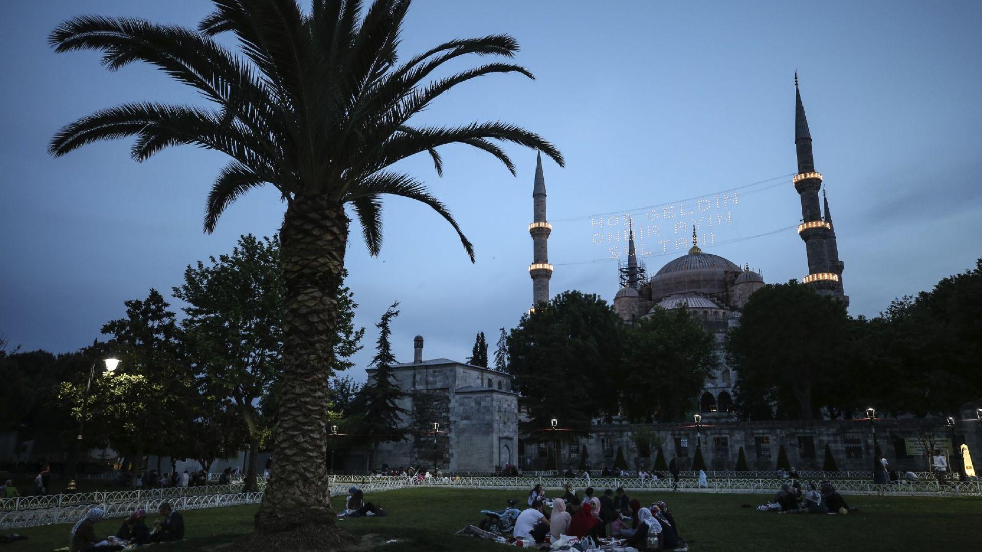 Израел предупреди гражданите си да не пътуват в Турция