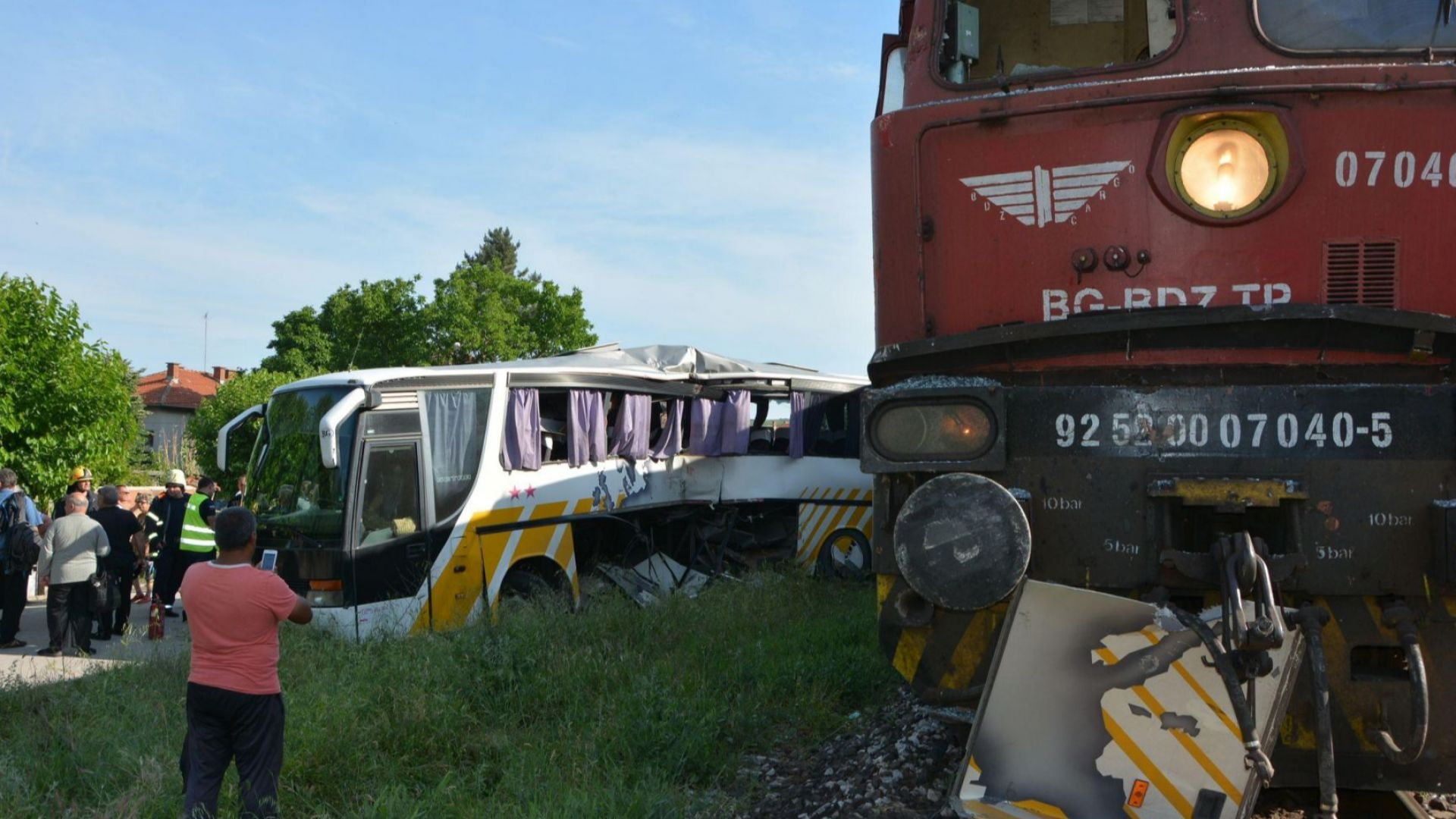 Отнето предимство е причина за катастрофата между влак и автобус