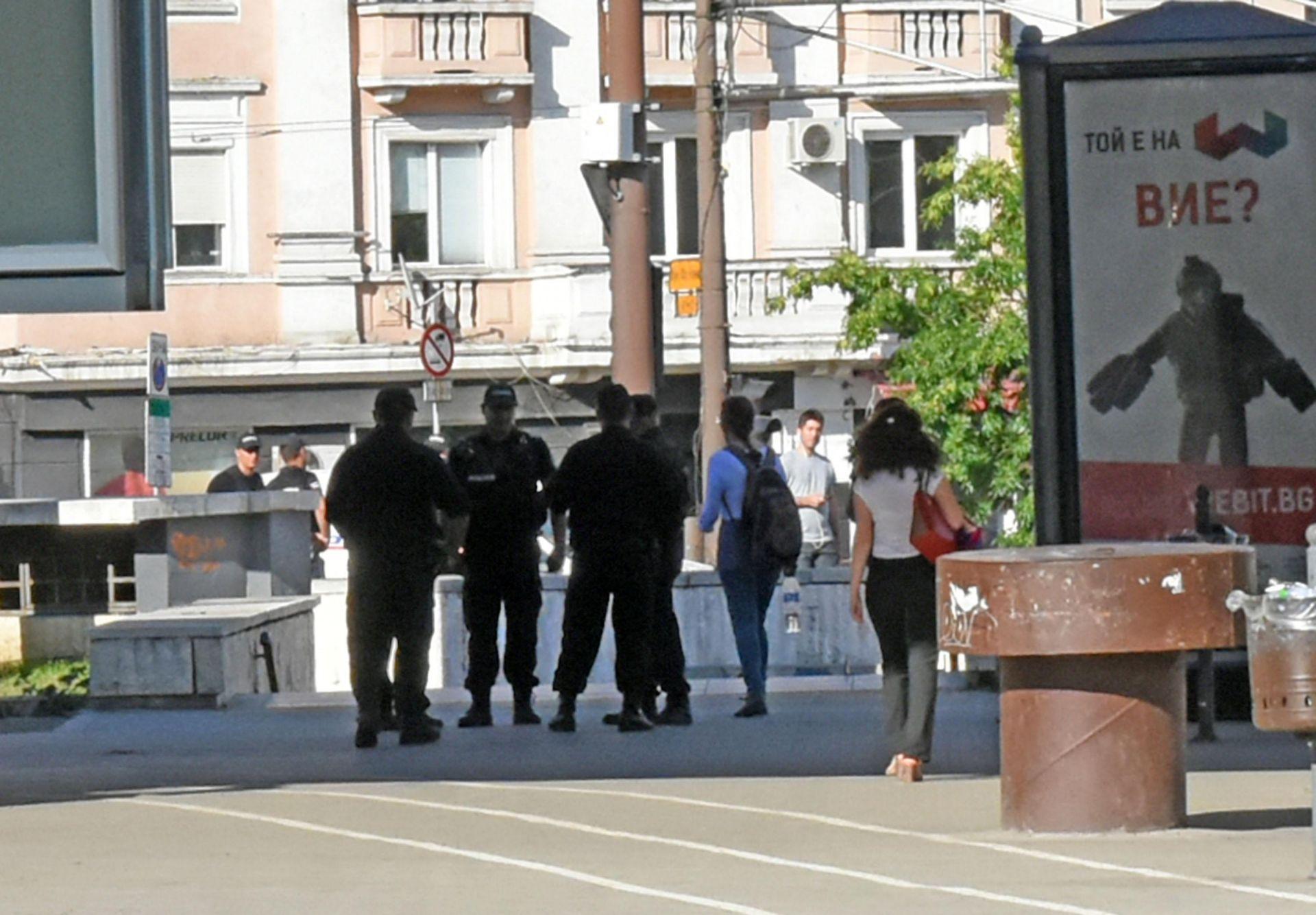 Инцидентът вдигна на крак полицията, СОБТ пожарникарски екип