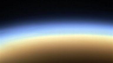 Откриха свръхактивни въглеводородни молекули в атмосферата на Титан