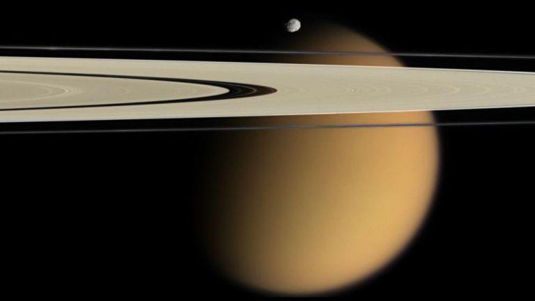 Експерти: Да колонизираме Титан, а не Марс