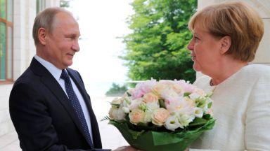 Преди срещата в Берлин - ще склони ли Меркел на съюз с Путин заради Тръмп