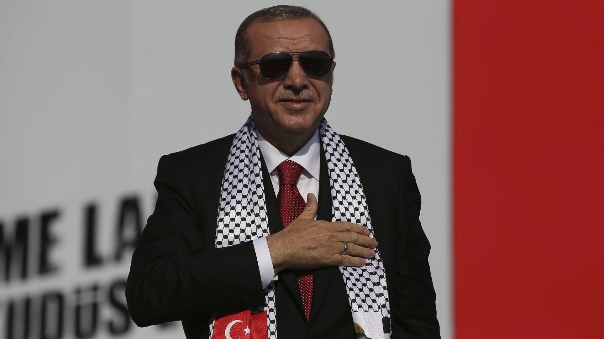 Ердоган - първият султан на модерна Турция