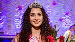 """18-годишна бъдеща студентка в """"Кингс Колидж"""" стана """"Царица Роза"""" 2018"""