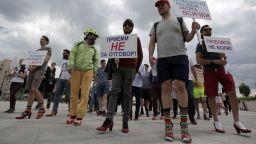 Мъже бягаха с дамски обувки на висок ток от солидарност към жените