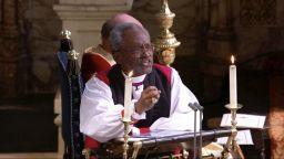 Афроамерикански пастор впечатли гостите на сватбата