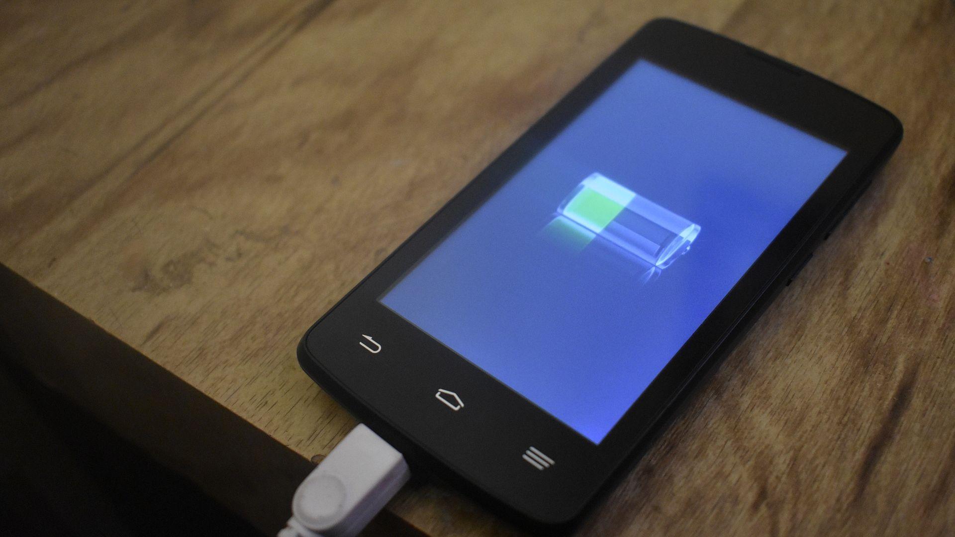 В бъдеще смартфонът ще се зарежда само за 5 секунди