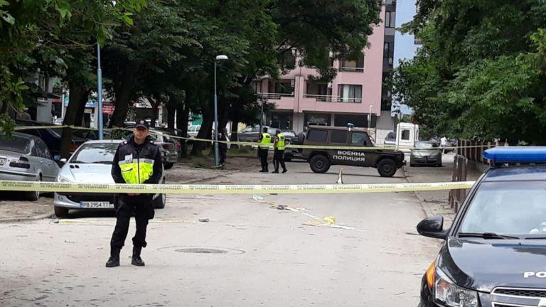 Военен наръга смъртоносно полицай при скандал за жена