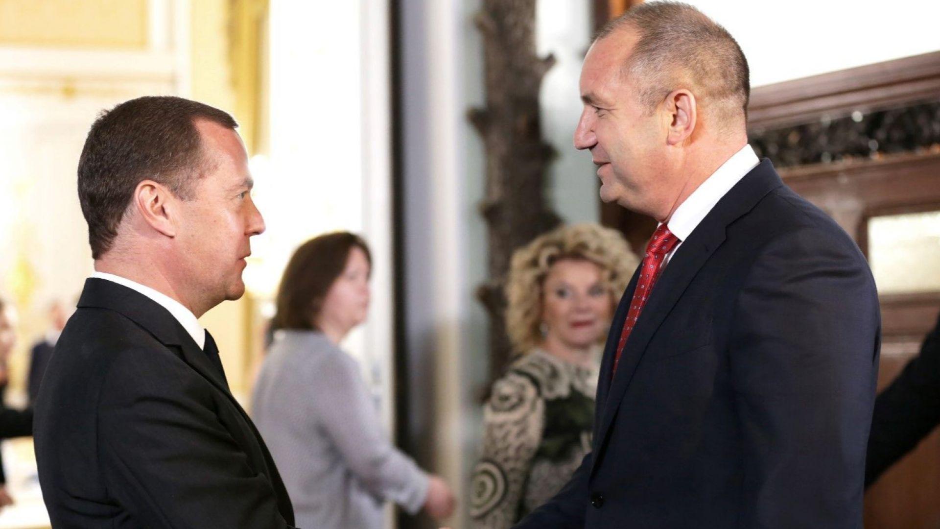 """Радев към Медведев: Кабинетът у нас излезе от летаргията, очаква се руско участие в АЕЦ """"Беленe"""""""