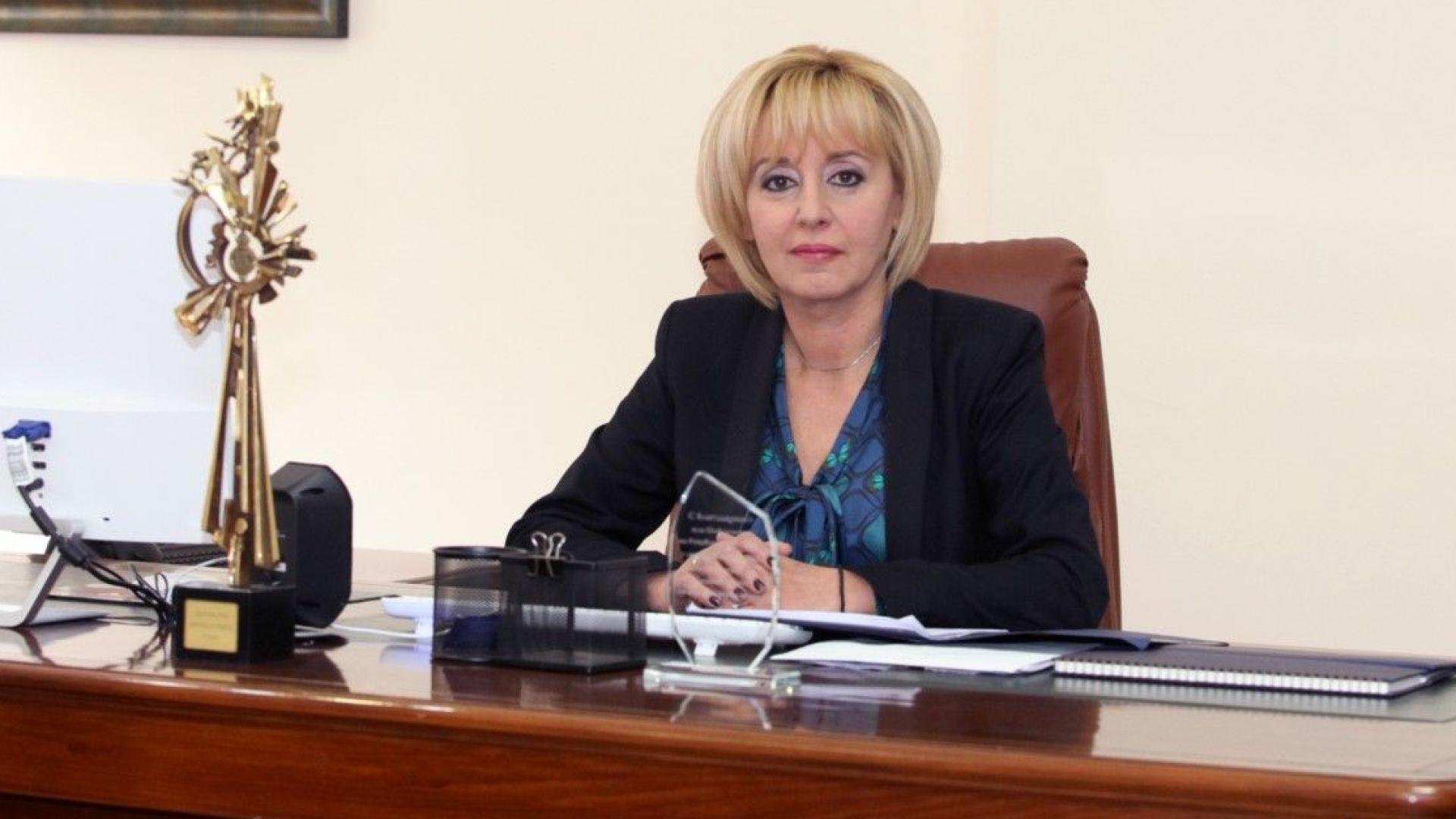 Мая Манолова: Още 12 болници са пред фалит