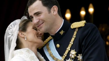 """Брак по любов: Фелипе и Летисия си казват """"да"""" преди 14 години (галерия)"""