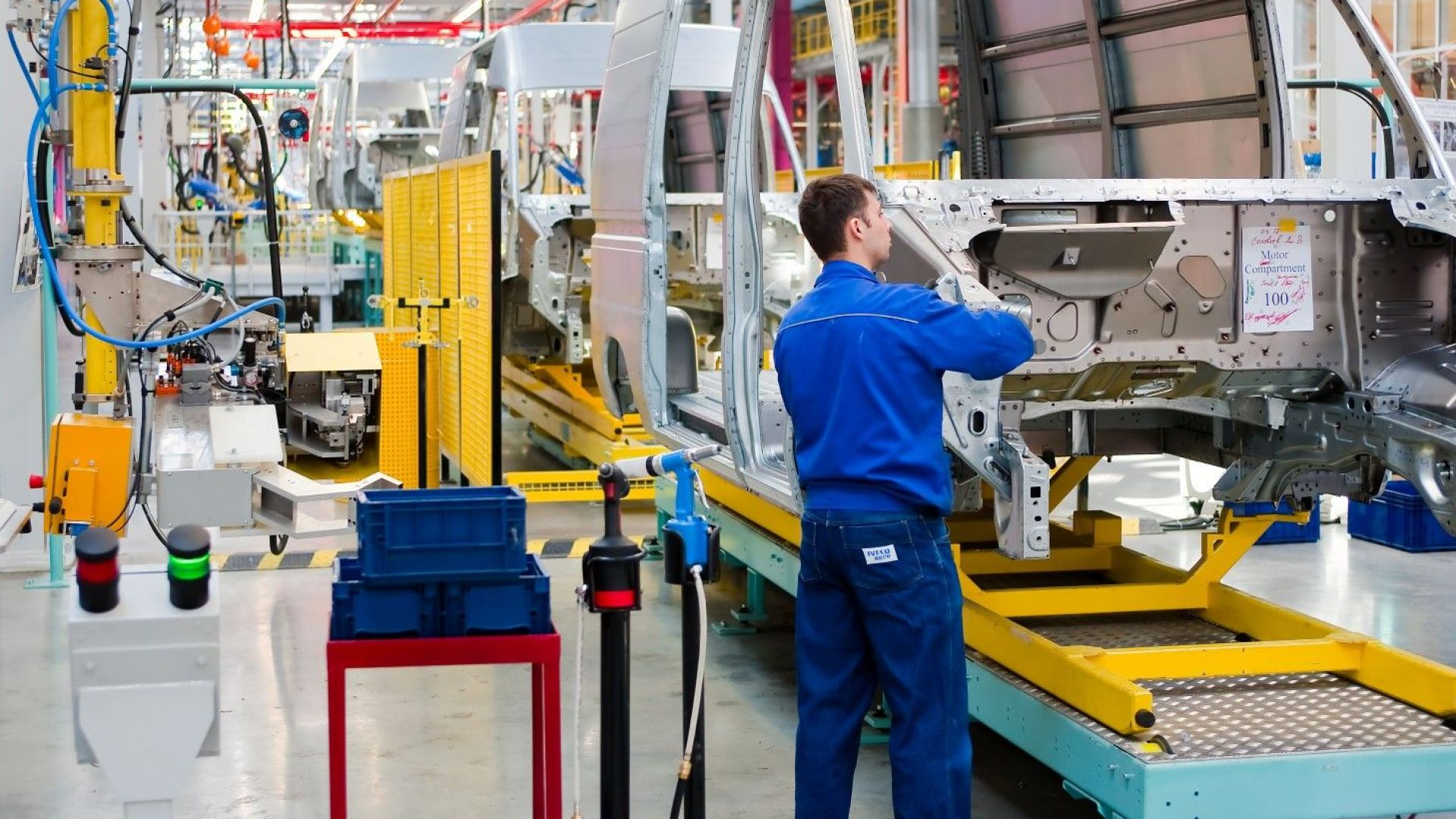 Форд очаква 5 млрд. долара загуба за текущото тримесечие