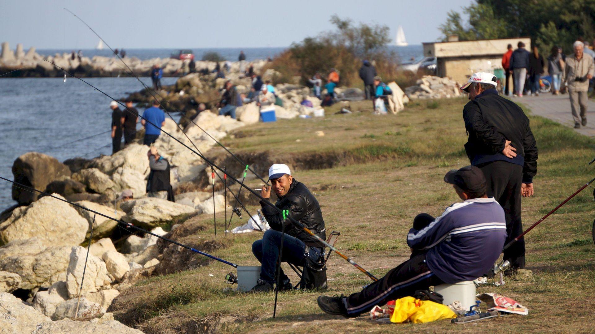 Федерацията на риболовците протестира срещу източването на язовирите