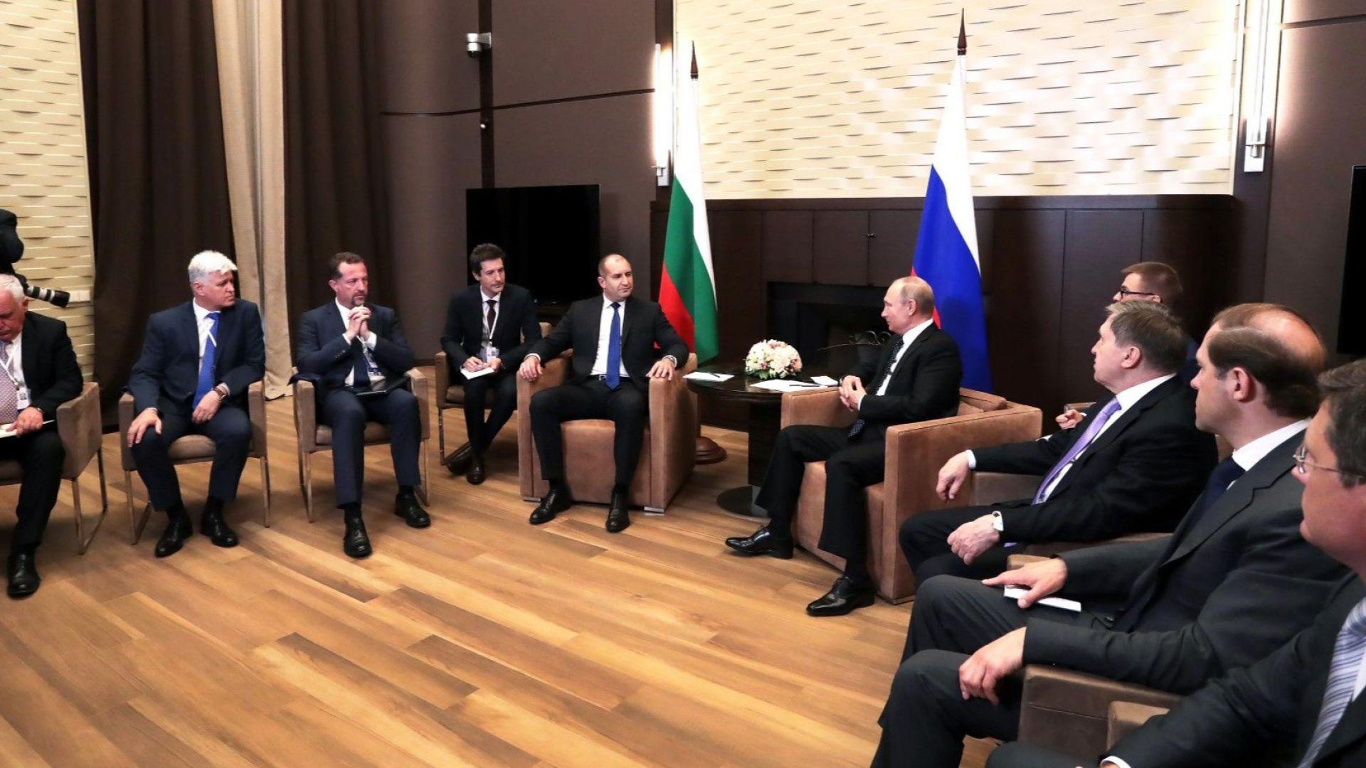 По време на разговорите в Сочи между делегацията, водена от Румен Радев и руския президент Владимир Путин