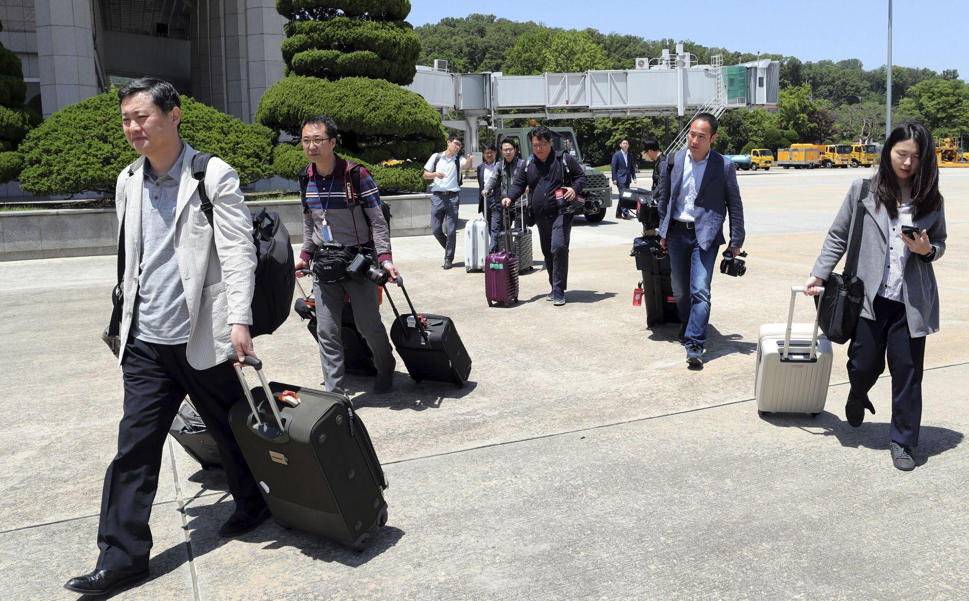 Журналистите потеглиха от Пекин с полет за Вонсан в Северна Корея