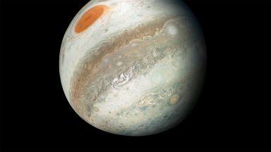 Нови уникални кадри от Юпитер