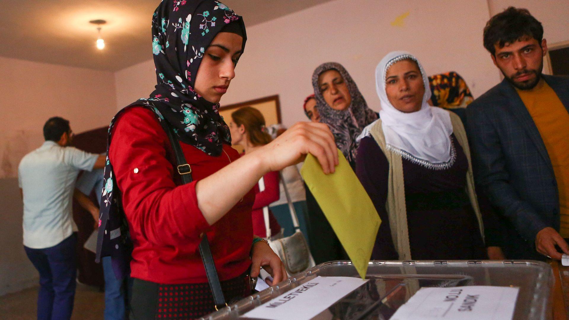 Рекорден брой жени са се кандидатирали за турския парламент