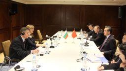 Външният министър на Китай: Толкова съжалявам за Боян Петров