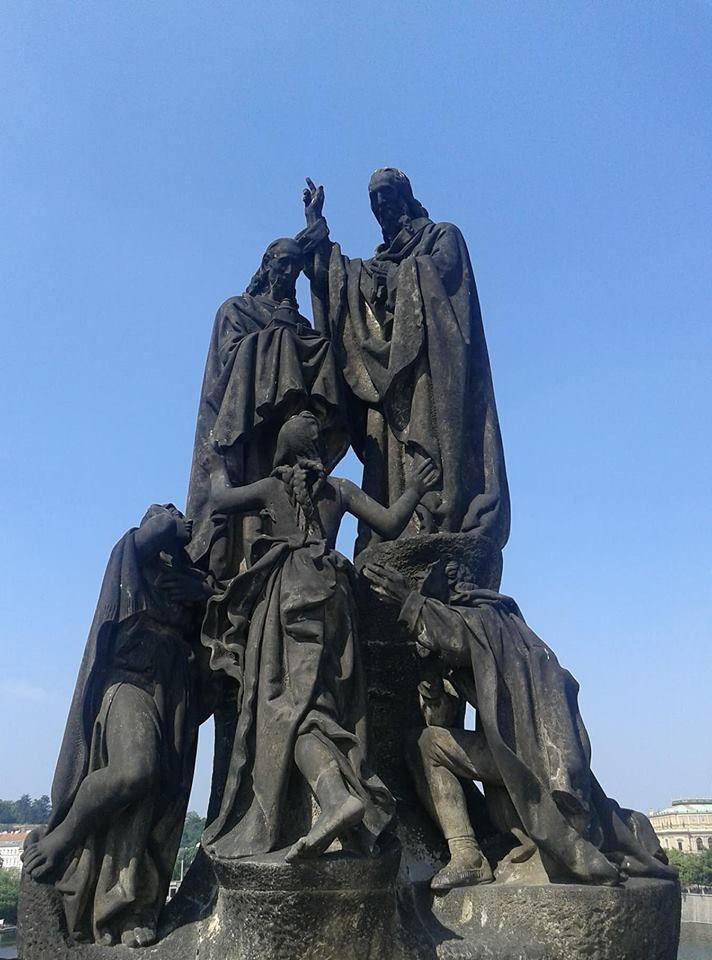 Св. Кирил и Методий на Карловия мост в Прага