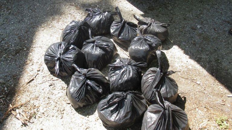 Над 170 кг контрабанден тютюн откриха полицаи при спецакция