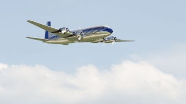 Легендарният самолет DC-6B на Тито кацна в Черна гора