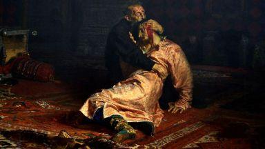 """Вандал повреди картината """"Иван Грозни убива сина си"""" с метален стълб (видео)"""