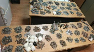 Митничари хванаха 11 хил. старинни монети