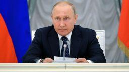 """Близо 770 000 въпроса към Путин три дни преди """"Пряка линия"""""""