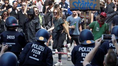 Крайнодесни на протест в Берлин срещу исляма и Месут Йозил