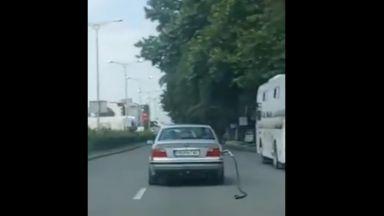 БМВ се движи из Пловдив с маркуч за зареждане на бензин